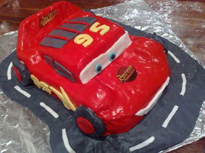A step by step guide demonstrating how to make a Lightning McQueen birthday cake at home. You will need a little time, but it's easy. See how.