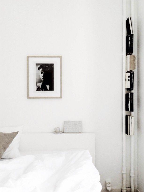 La maison d'Anna G.: Minimalist bookcase