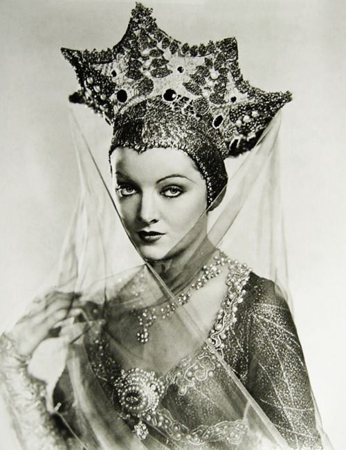 """vintagegal: Myrna Loy in """"A Connecticut Yankee"""" 1931"""