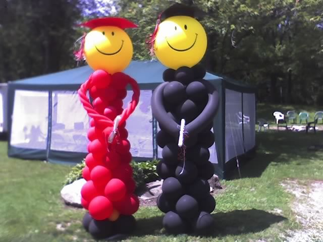 25 best images about graduation balloons on pinterest for Balloon decoration ideas for graduation
