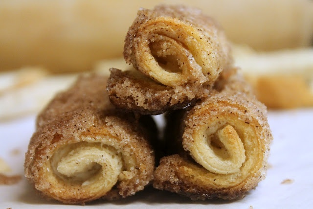 Cinnamon Cream Cheese Rolls // I'm going to try this with whole