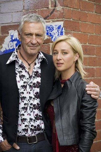Offspring 1 - Asher Keddie, John Waters (Nina and Darcy)