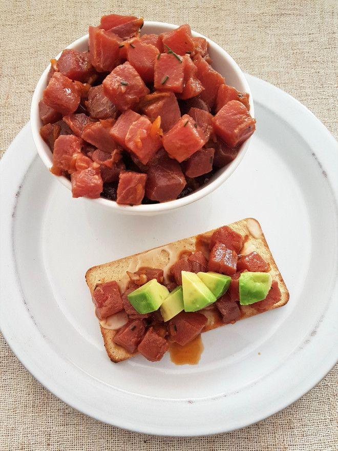 Raw marinated tuna/ Atún crudo marinado