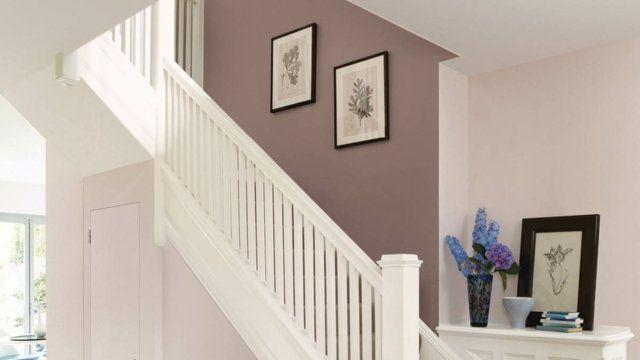 déco entrée maison et cage d'escalier en peinture murale taupe