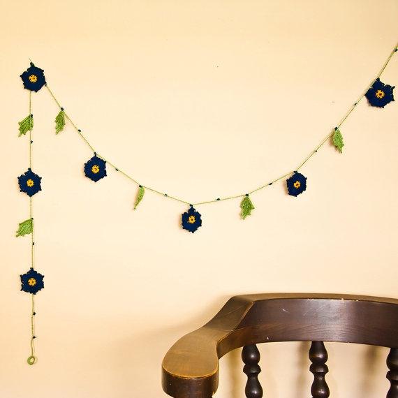 Crochet Flower Garland deep blue and sage green $50 #etsyfollow #home decor #crochet @Bobbi Lewin: Crochet Flower, Wonderful Knits, Garland Deep, Flower Garlands, Pretty Flower