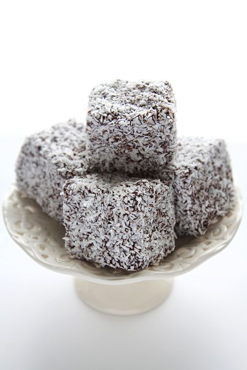 I've never had Lamingtons, but they sound delicous