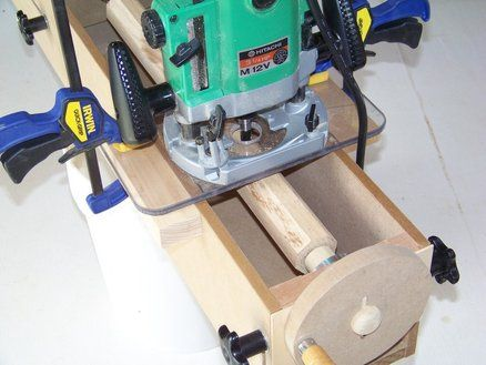 Jig for making large dowels, fluted columns, even tapered legs (I WONDER IF THIS TECHNIQUE CAN BE USED TO TURN RUSTIC FURNITURE LEGS ? DB.)