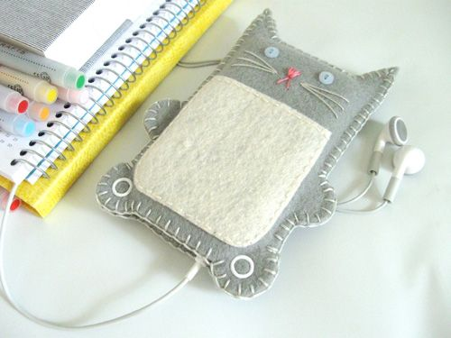 gifts to make  Could look like ugly-dolls instead...grey-felt-kitty-ipod or phone-case1
