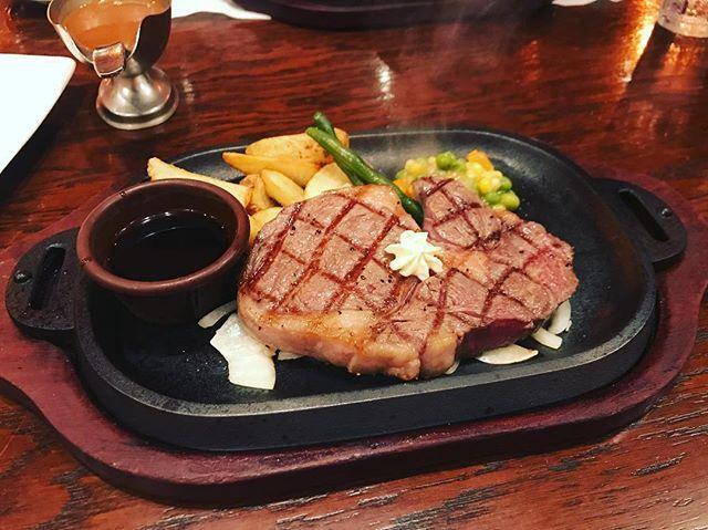 肉肉肉肉肉!! 幸せ💞 ハンバーグ食べたいと言って、ステーキ食べた  ごうちゃんからハンバーグ半分貰った🐼  #肉 #リブロース #208g #チッタの #ハンバーグ屋さん