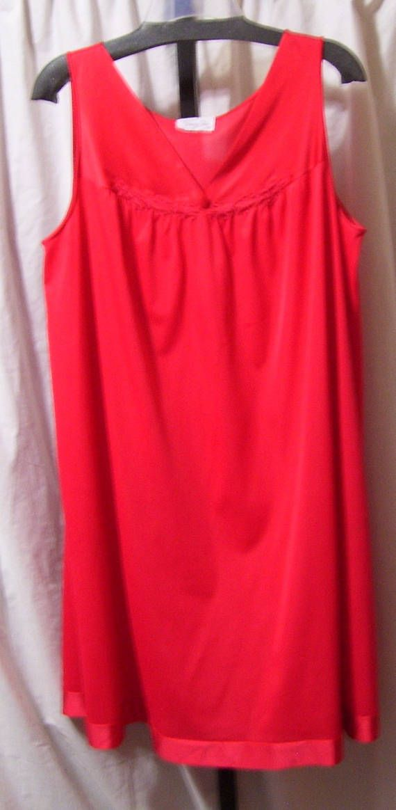 Vanity Fair, Red Night Gown, Classic Waltz, Size Large, Resort Cruise Wear
