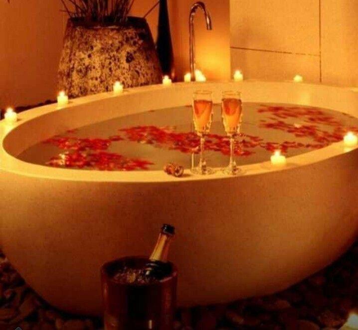 Love it!   Bathtub decor, Romantic bath, Candle light bath