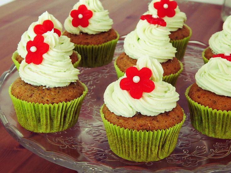 http://www.zghettablog.cz/2015/02/pistaciove-cupcakes.html