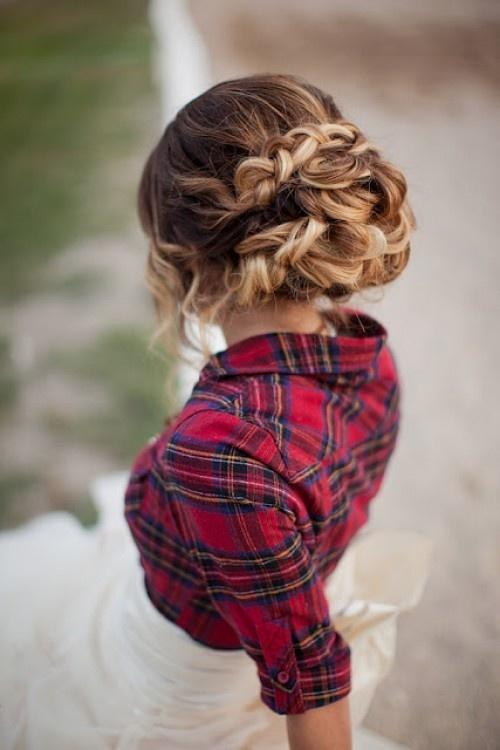 coiffure mariée, coiffure mariage, coiffure tresse http://lamarieeencolere.com/post/33216884343/coiffure-mariee#