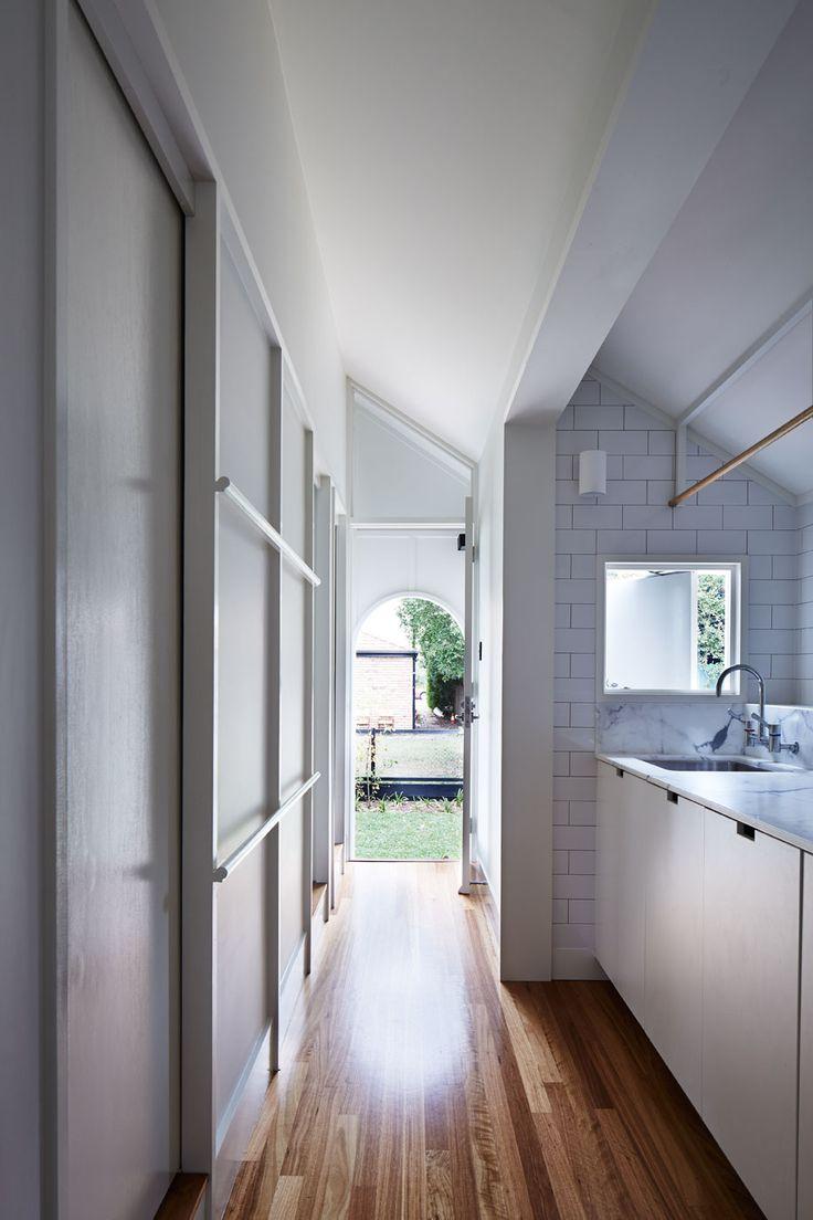 Brisbane laundry renovations laundry design ideas ine bathrooms - Owen Vokes Peters West End Cottage Laundry Inspiration