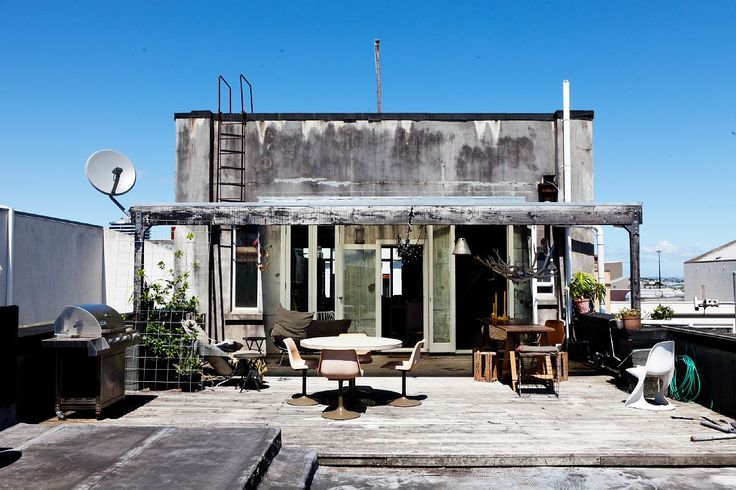 rooftop patio/terrace - home of stylist/vintage store owner Charlotte Rust, New Zealand / photo: Todd Selby