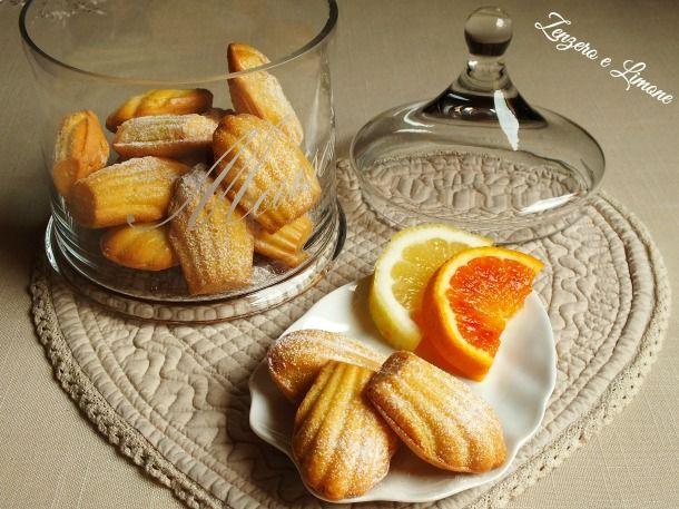 Le madeleines sono i dolci di Proust per antonomasia. Morbide, delicate, sublimi e panciute, sono simili ad una conchiglia. Ottime per accompagnare il the.