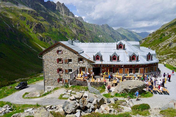Kulinarischer Jakobsweg - Schöne Jamtalhütte mit grandioser Bergkulisse - Galtür, Paznaun in Tirol - Österreich