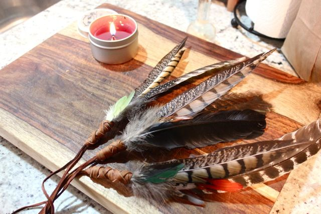 DIY feather smudge fan — Nikdreamer