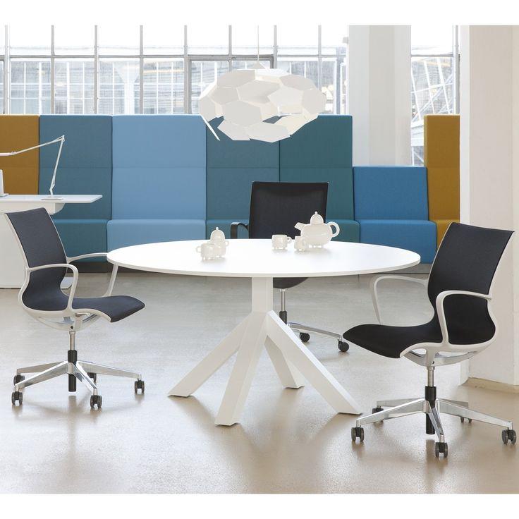 Gispen Dukdalf vergadertafel compleet gemaakt met de Gispen Turn multifunctionele stoel