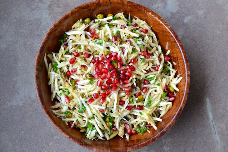 A fresh and delicious salad that is easy to make and ready in under 15 minutes. Grain/Gluten Free, Dairy Free, Paleo, Specific Carbohydrate Diet legal.