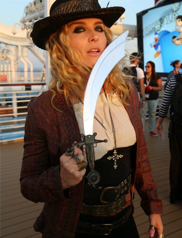 Angélica posa como 'pirata fashion' (Foto: Thiago Fontolan/Gshow)