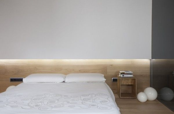 Nice indirect lighting. Bedroom inside the Casa OV by Guim Costa Gidloof.
