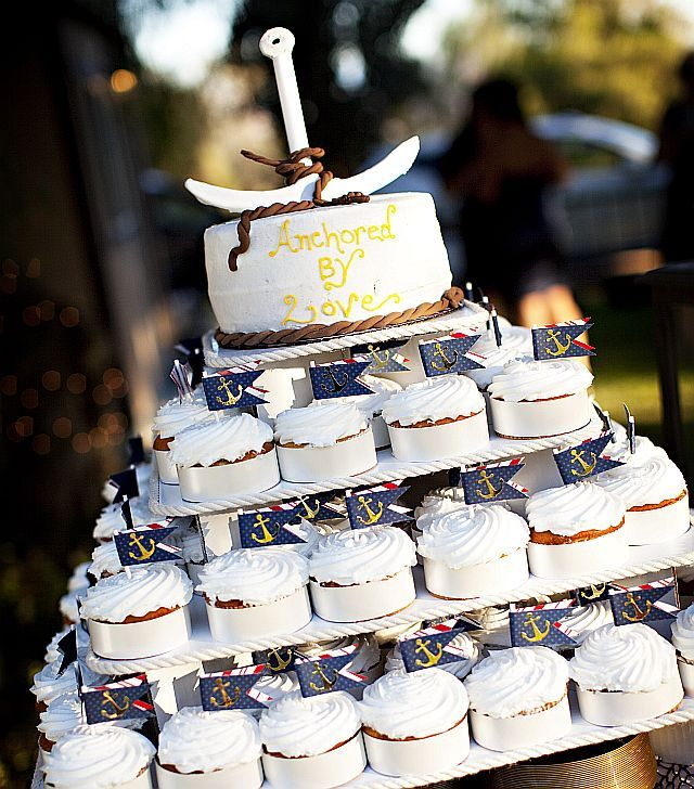 can i prune a wedding cake tree 19 best images about wedding cupcake stands on 12359