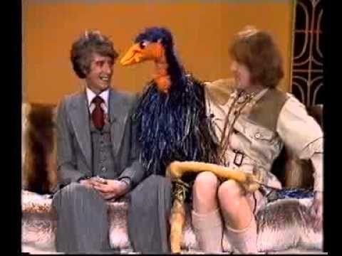 07 Rod Hull Rudi Carrell Emu Show