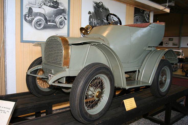Korvensuu vuodelta 1913 oli ensimmäinen Suomessa valmistettu auto.