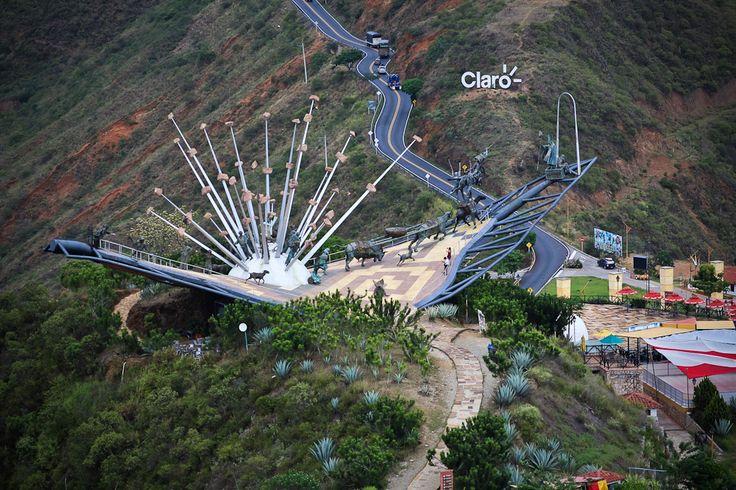 Monumento a la Santanderian idad Parque Ncional del Chicamocha  Fotografía Cañón del Chicamocha por Estudio Horizontes en 500px