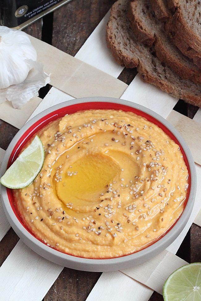 Une fois lancée dans la préparation de hoummous, rien ne m'arrête !!! Je vous propose pour cette fois-ci une version à la patate douce rô...