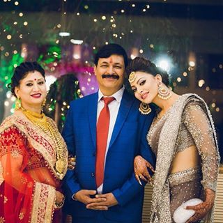Happy father's day💕 . . . . . . #happyfathersday #urvashirautela