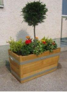 Garden planter / Blumentrog