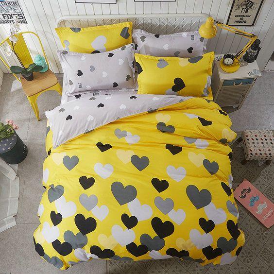 Žlté obojstranné posteľné obliečky so srdiečkami