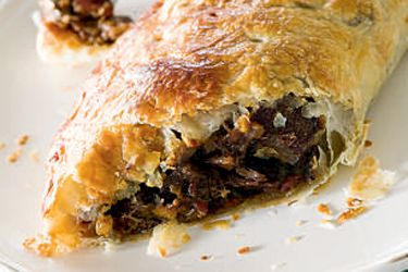 Steak, onion and bacon pastries