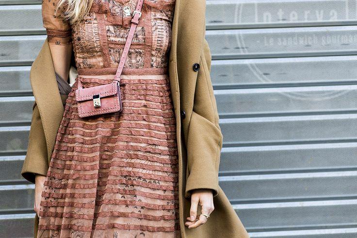 Valentino Valentino Garavani Small Stud Stitching Shoulder Bag