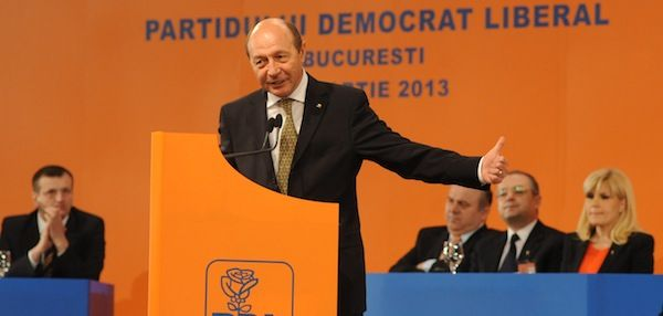 Basescu se desparte de PDL