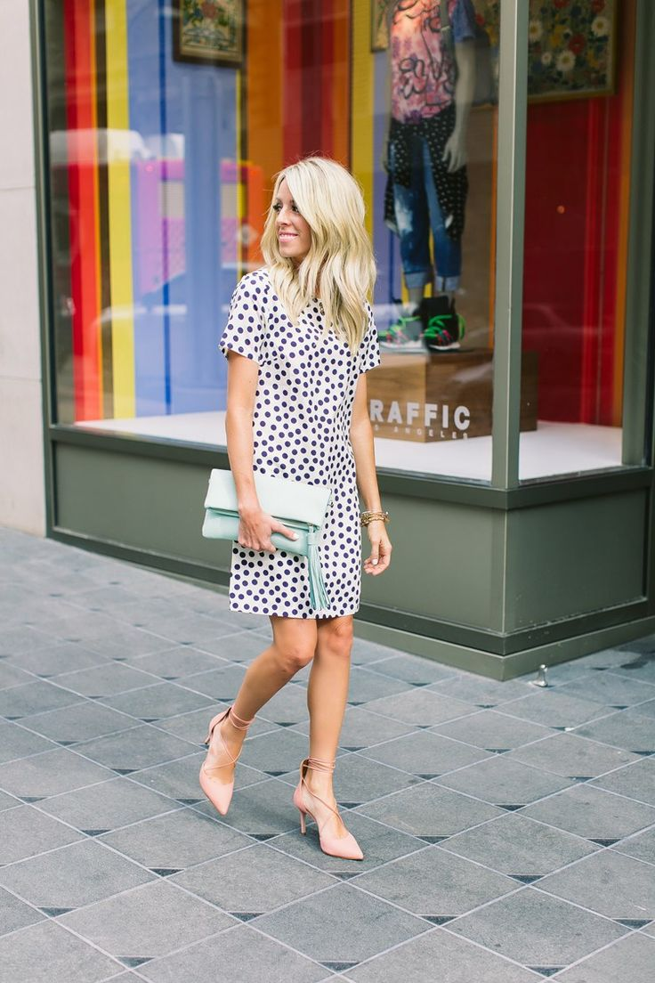 polka dot shift dress, mint clutch, nude pumps, classy summer style // GiGi New York | Azure Stella Clutch | Kailee Wright Fashion Blog