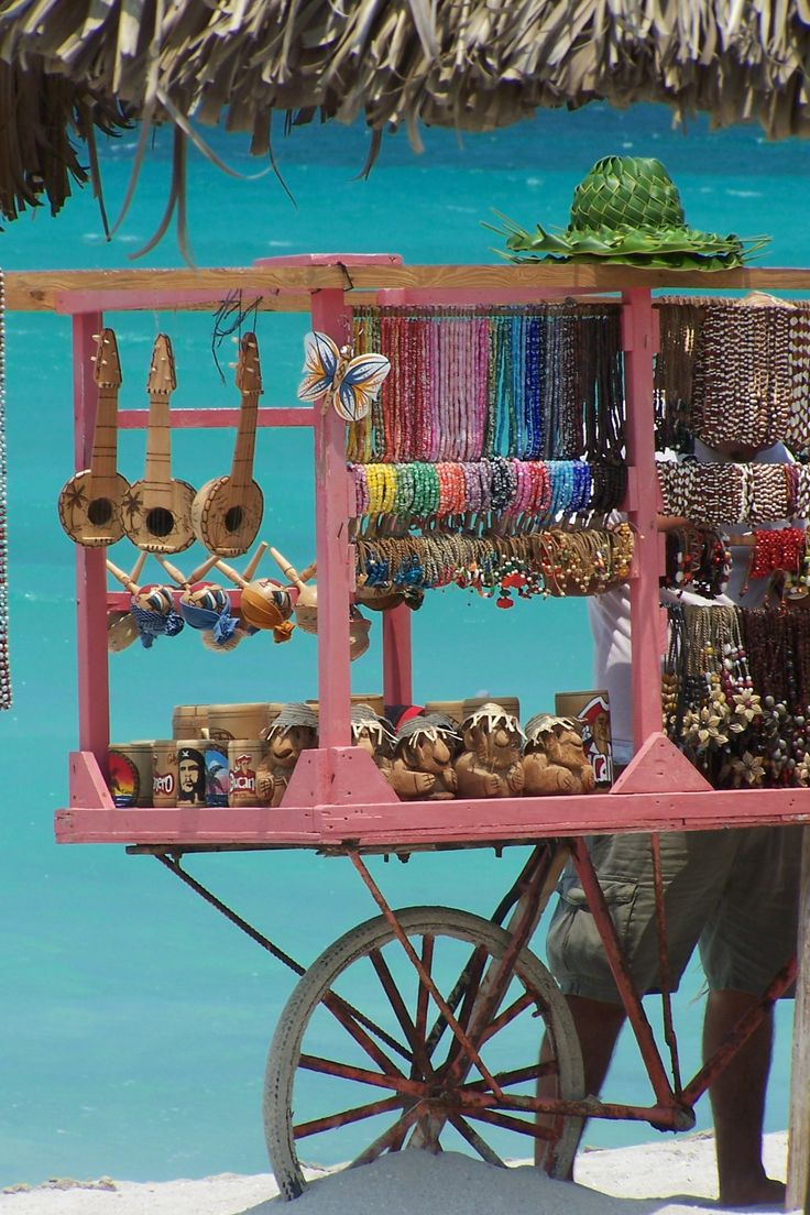 Beach market in Varadero, Cuba. I ❤ Varadero Netssa.com/... #cuba #varadero