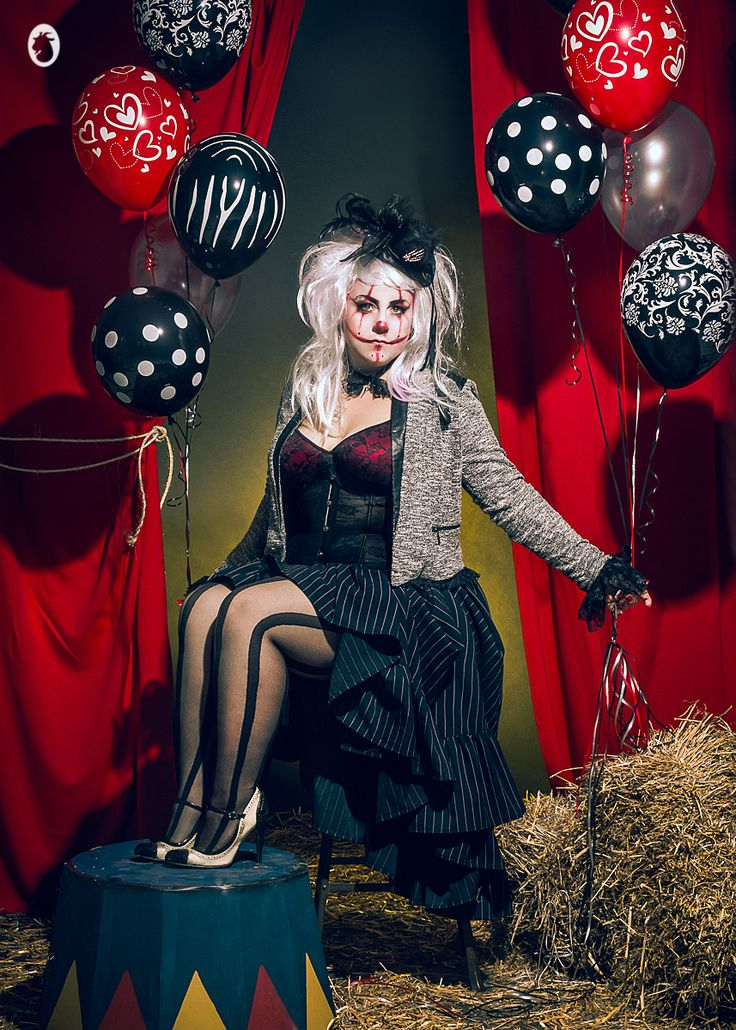 Modèle : Myriam Lepage Lamazzi costume : Myllady creations Maquilleuse : Painkiller Penny MUA Artiste-Maquilleuse Photographe et retouches : Mlle Chèvre