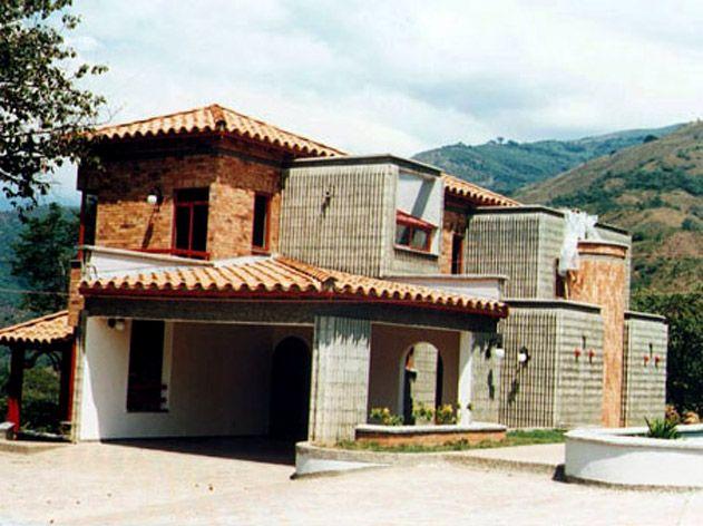 Finca en Antioquia, Colombia, Fachada posterior