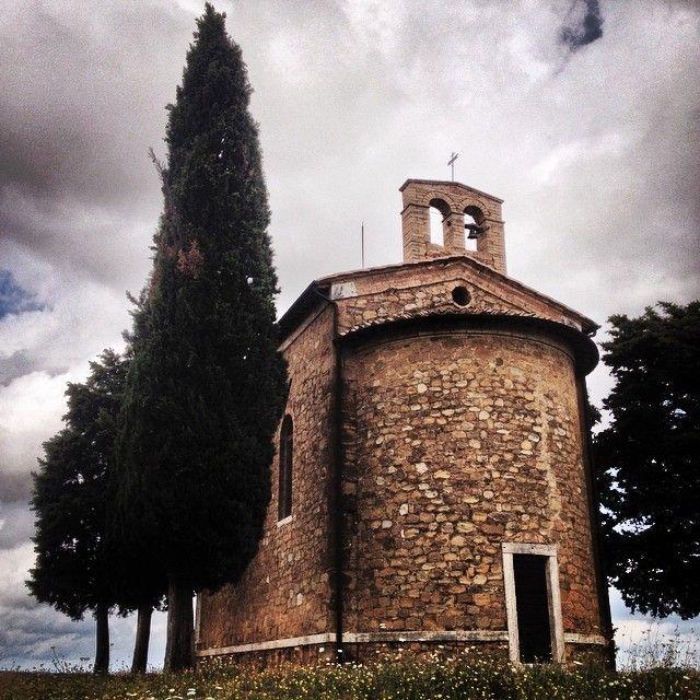 Retro della Cappella della Madonna di Vitaleta - Vitaleta | #siena #valdorcia #toscana #italia #tuscany #italy