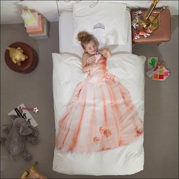 Duvet with a Princess Dress for Your Princess! - http://www.amazinginteriordesign.com/duvet-with-a-princess-dress-for-your-princess/