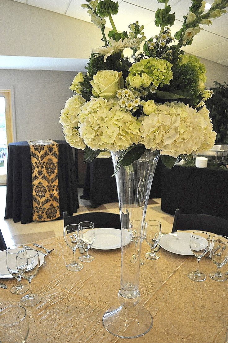 Haddon Heights Community Center - #Cheap #Wedding & #Reception #Venue in #Haddon #Heights, #NJ, just outside of #Philadelphia. Venue can hold up to 100 guests, and non-resident rates are $150/hr. If reserving for 3 or more hours, an additional hour is given at no charge. $250 refundable security deposit due at signing. Residents of Haddon Heights pay $100/hr. #southjerseycheapweddingvenues #southjerseyweddings #philadelphiacheapweddingvenues