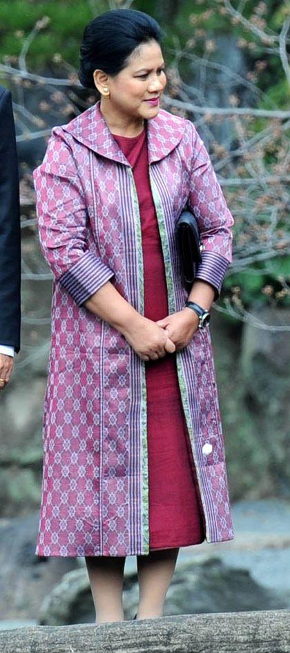Foto: Warna-warni Cerah, Busana Favorit Ibu Negara Iriana Jokowi 8