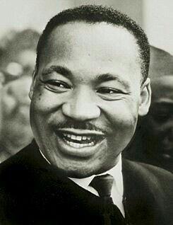 Martin Luther King Jr.(Atlanta,15 de janeirode1929—Memphis,4 de abrilde1968) foi umpastorprotestanteeativista políticoestadunidense. Tornou-se um dos mais importantes líderes domovimento dos direitos civis dos negros nos Estados Unidos, e no mundo, com uma campanha denão violênciae deamor ao próximo.