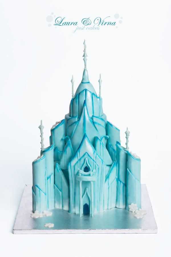Frozen castle - Cake by Laura e Virna just cakes - For all your cake decorating supplies, please visit craftcompany.co.uk