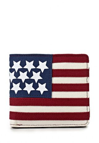 Кошелек River Island послужит отличным подарком для своего мужчины. Модель выполнена из искусственной кожи и текстиля. Детали: принт с изображением американского флага, отделения для кредитных карт и купюр. http://j.mp/1pgaMeY