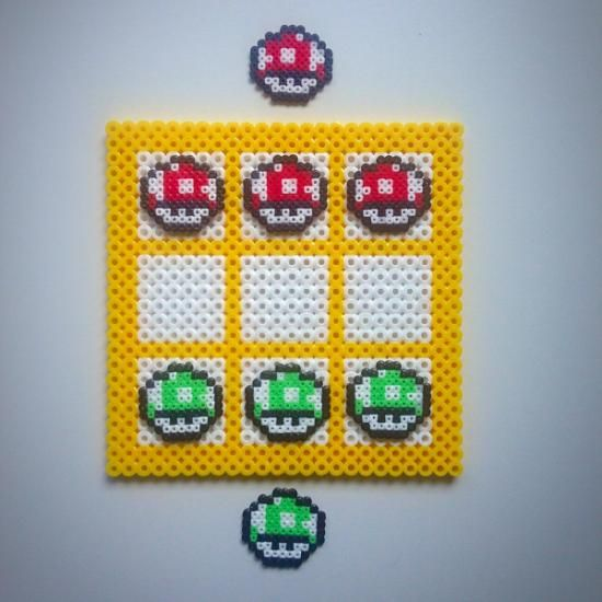 Tres en raya de Mario Bros en hama