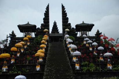 Besakih Temple is a temple complex located in the village of Besakih, Rendang district Karangasem, Bali, Indonesia. Besakih Complex consists of 1 Center Temple (Penataran Agung) and 18 Temple Assistance (1 Pura Pura Basukian and 17 Others)